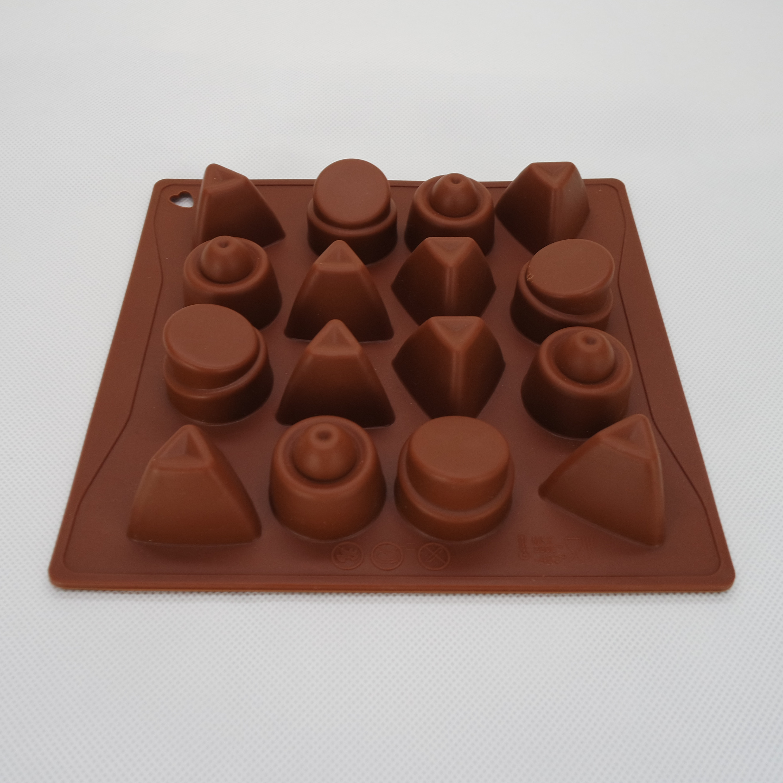CXCH-015	Silicone Bakeware Chocolate Mould 16-Cup